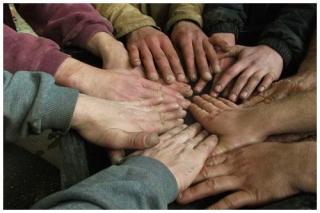 8-petites-mains